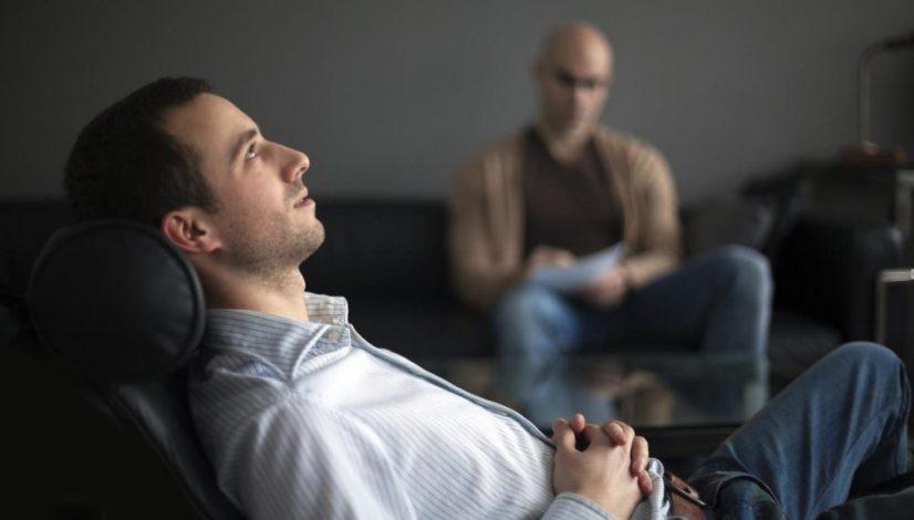 por-que-debemos-desconfiar-del-coaching-como-forma-de-terapia